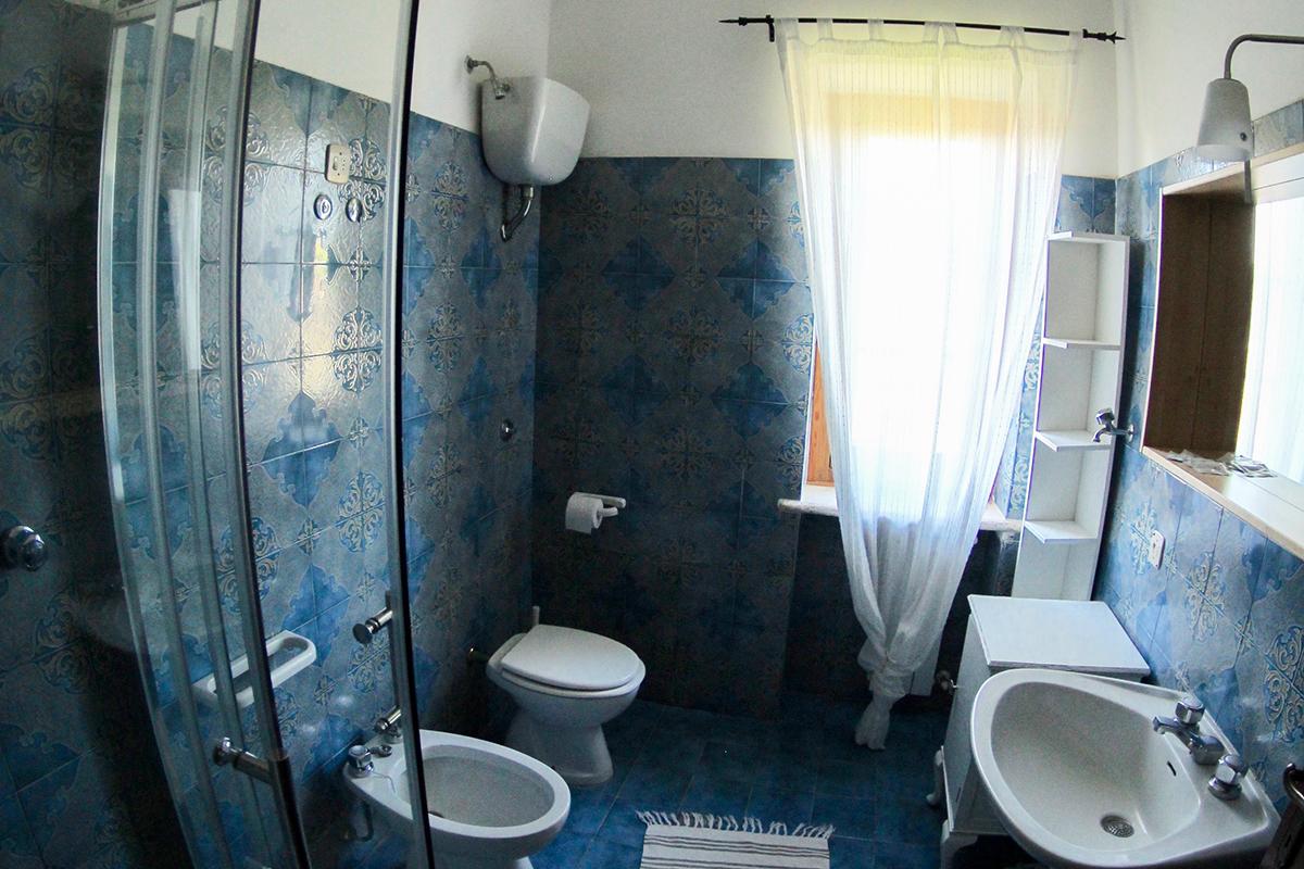 https://www.arsnaturae.com/wp-content/uploads/2015/09/Appartamento-oliver-bagno.jpg